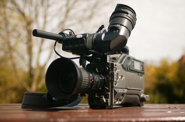 casting aperti film